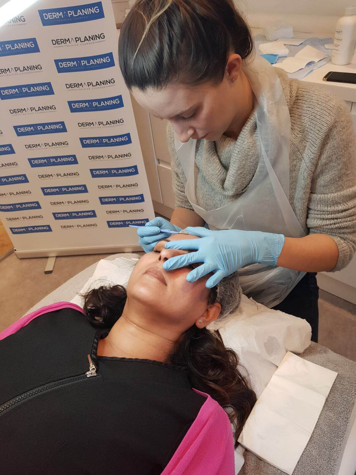 dermaplaning-training-2-yorkshire